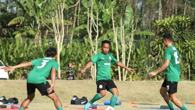 Sesi latihan rutin PSS Sleman di lapangan Yogyakarta Internasional School (YIS), Sleman, Jumat (11/9/2020). (Dok PSS Sleman)