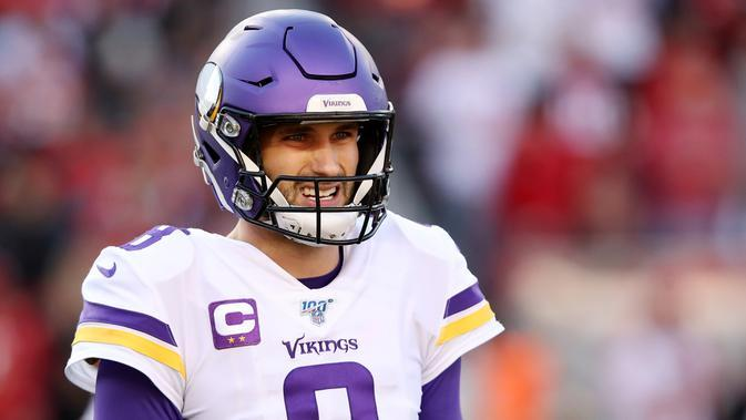 9. Kirk Cousins (American Football) - Pemain Minnesota Vikings itu menjadi pemain NFL dengan bayaran tertinggi antara Juni 2019 hingga Juni 2020. Pemasukanya mencapai USD 60,5 juta (Rp 886,5 miliar). (Sean M. Haffey/Getty Imeges/AFP)