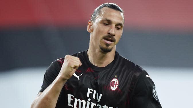 Ekspresi Zlatan Ibrahimovic setelah menjebol gawang Sampdoria pada lanjutan Serie A di Stadion San Siro, Kamis (30/7/2020) dini hari WIB. (La Presse/AFP)