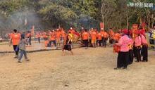 高雄宮廟過火傳意外 24名信徒腳灼傷