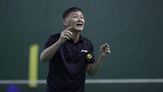 Pelatih tunggal putra Indonesia, Hendry Saputra. (Bola.com/Vitalis Yogi Trisna)