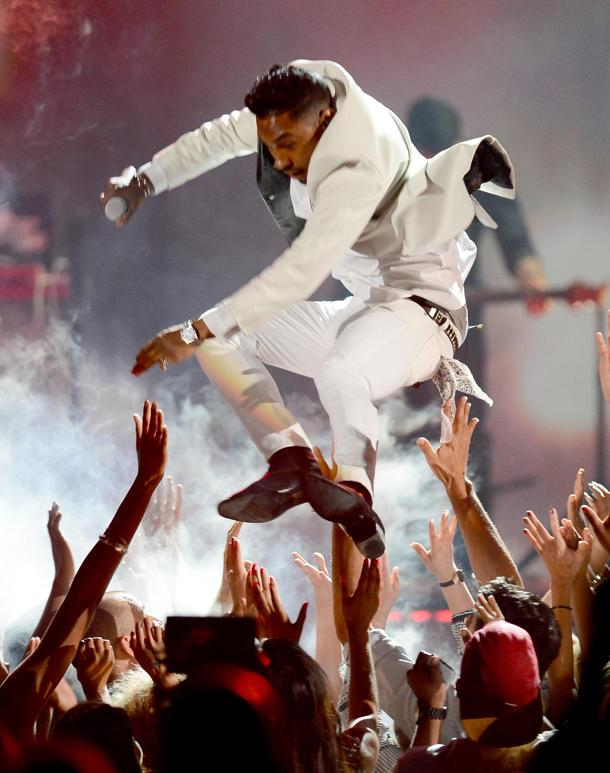 Miguel Answers Charges He Was Warned Not to Jump Across the Stage at Billboard Music Awards