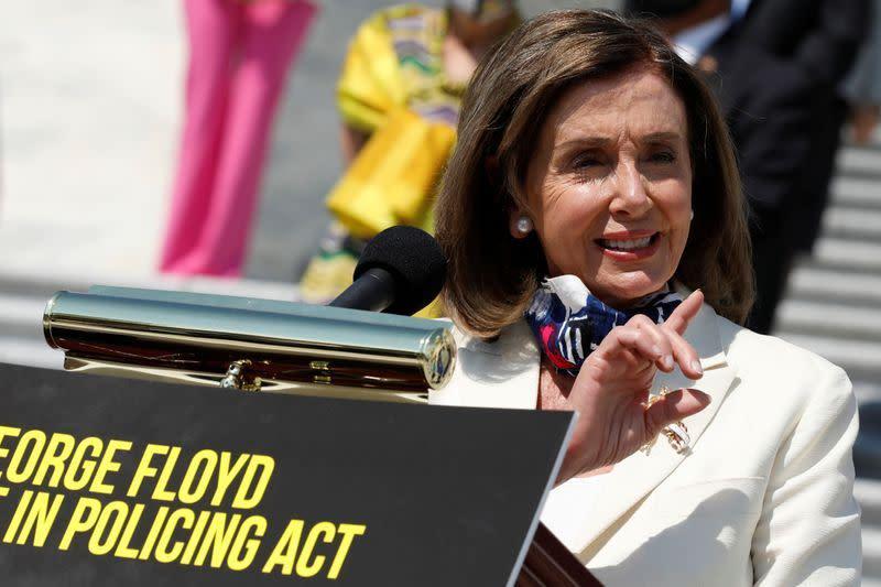"""Republik dan Demokrat """"tak bisa didamaikan"""" dengan pemitingan, kata Pelosi"""