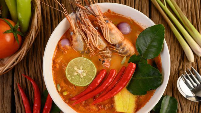 Ilustrasi Sup Udang dan Kentang Masak Santan Credit: freepik.com