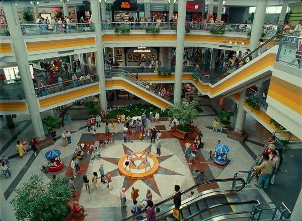 Wonder Woman 1984 Mall