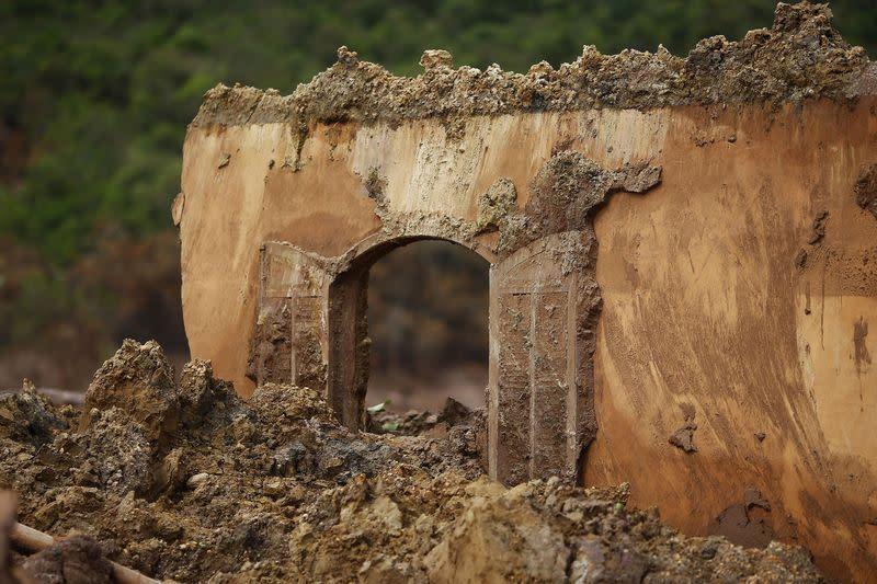 Restoration after 2015 Brazil dam burst behind schedule, U.N. expert says