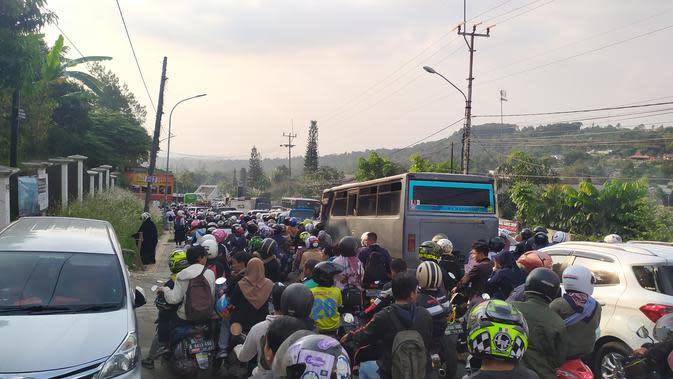 Cerita Horor Macet Puncak, Butuh 12 Jam dari Pintu Tol Ciawi ke Cianjur