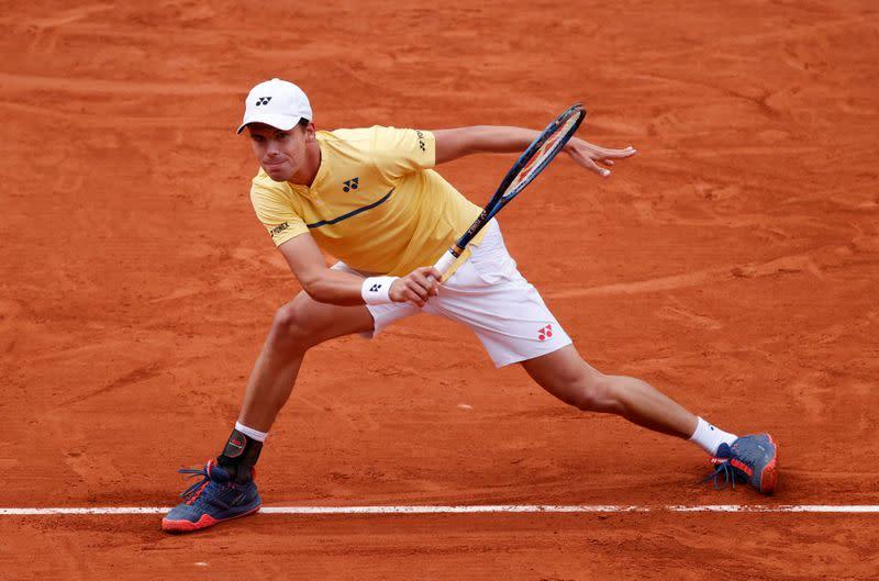 Tennis: German qualifier Altmaier stuns seventh seed Berrettini