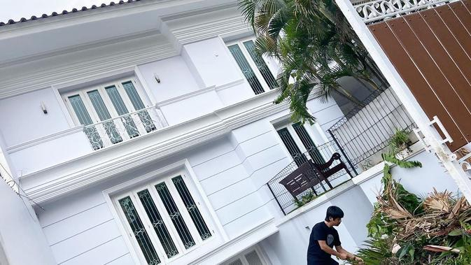 Rumah baru Rian D'Masiv (Sumber: YouTube/rianekkypradipta)