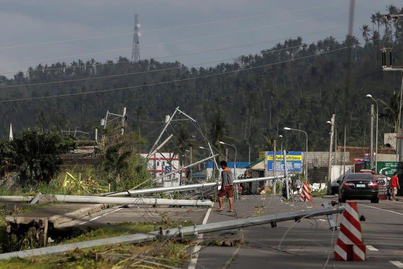 Korban tewas topan Filipina capai 10 orang