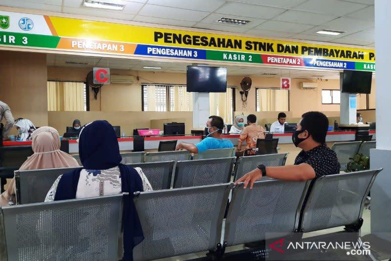 Riau perpanjang pemutihan denda pajak kendaraan dan diskon balik nama