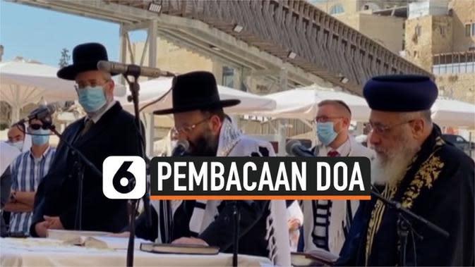 VIDEO: Kepala Rabi Tembok Barat Berdoa untuk Pemulihan Donald Trump