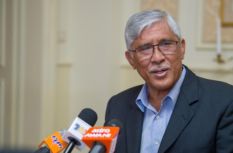 GIACC director-general Tan Sri Abu Kassim Mohamed says some 'bad apples' in the civil service are hampering the government's anti-corruption drive. — Bernama pic