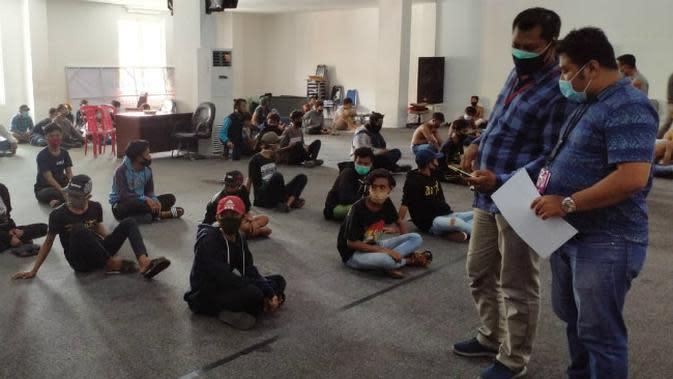 Antara Murka Risma, Demo UU Cipta Kerja dan Kericuhan di Surabaya