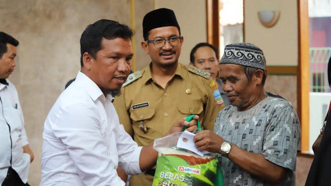 Keceriaan Warga Miskin saat Hari Pers Nasional di Garut