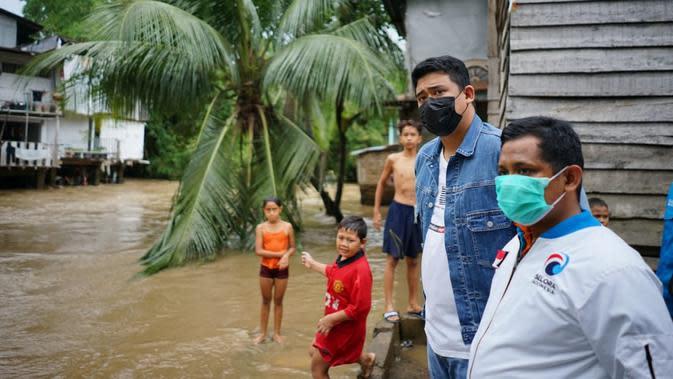 Suami Kahiyang Ayu itu menegaskan, perlu sinergitas dan kolaborasi antara Pemerintah Kota (Pemko) Medan, Pemerintah Provinsi Sumatera Utara (Pemprov Sumut) dan pemerintah pusat, dalam penyelesaian masalar banjir.