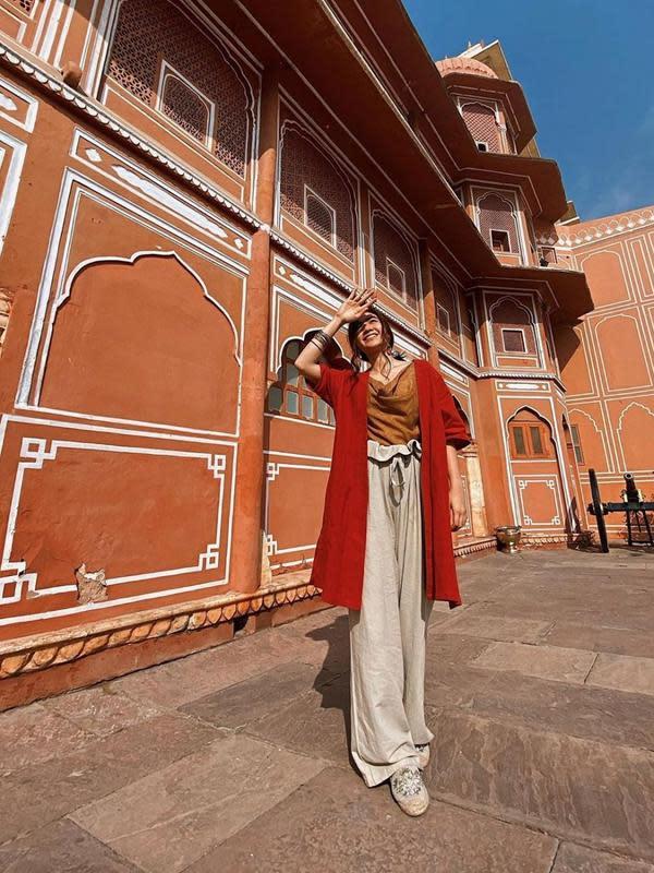 Potret Febby Rastanty Liburan ala Backpacker di India (sumber:Instagram/febbyrastanty)