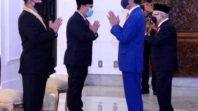 Presiden Anugerahi Tanda Kehormatan Bintang Jasa Utama Kepada Ahmad Basarah