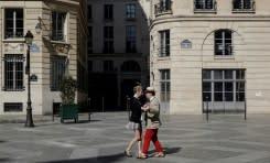 Prancis perpanjang penguncian ketika kematian akibat virus melonjak di Eropa dan AS