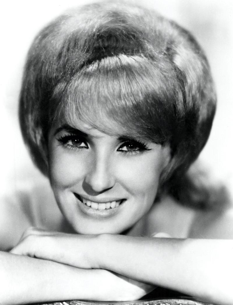 tammy wynette black and white photo bouffant hair