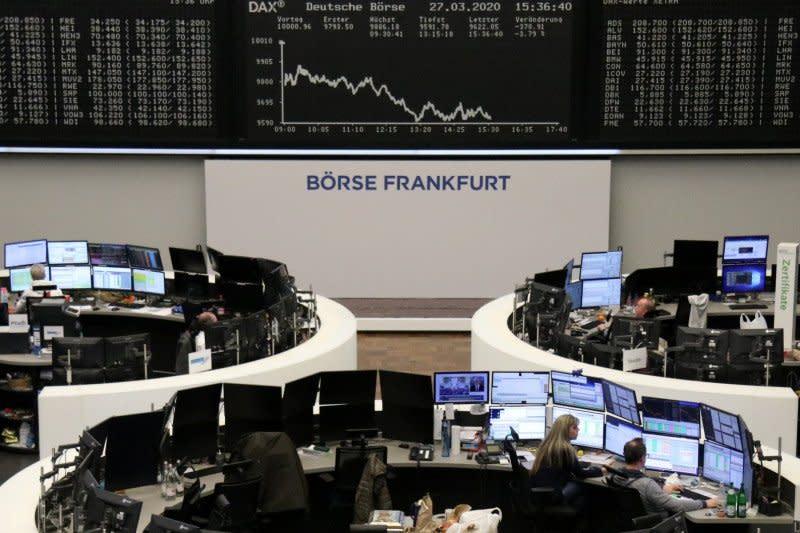 Seluruh saham unggulan Jerman rontok, indeks DAX 30 jatuh 3,64 persen