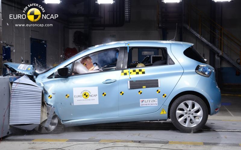 Renault Zoe electric car - crash test