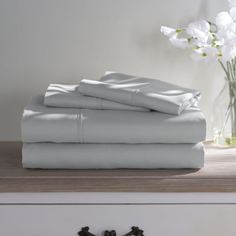 Wayfair Basics 1800 Series Sheet Set. Image via Wayfair.