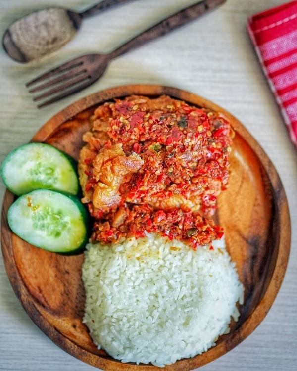 10 Olahan Ayam Pedas Khas Indonesia Ini Harus Masuk Pengalaman Lidahmu