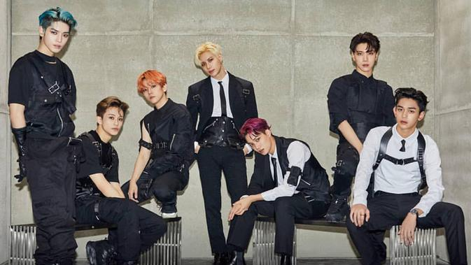 SuperM beranggotakan ketujuh idol yang telah debut yaitu Taemin SHINee, Baekhyun dan Kai EXO, Taeyong, Ten, Mark, dan Lucas NCT. (Liputan6.com/IG/@superm)