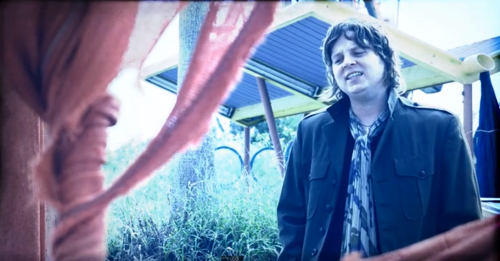 """Video Premiere: Terry McDermott, """"Lose This Feeling"""""""