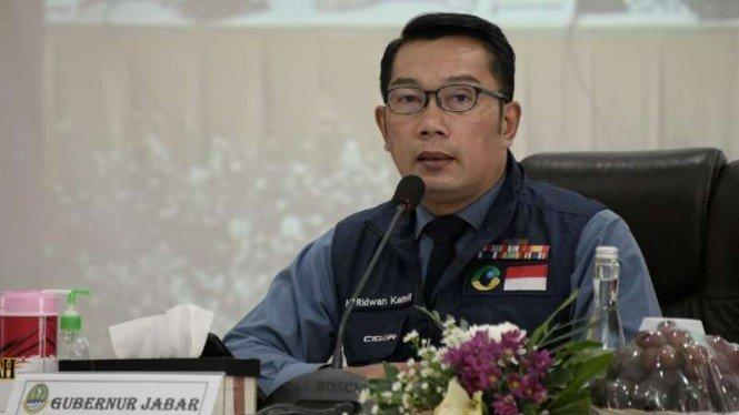 Ridwan Kamil Nyobain Odading Mang Oleh yang Video Promosinya Viral
