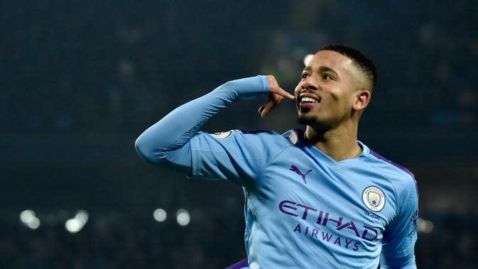 Pemain Manchester City Gabriel Jesus melakukan selebrasi usai mencetak gol ke gawang Everton pada pertandingan lanjutan Liga Inggris di Etihad Stadium, Manchester, Inggris, Rabu (1/1/2020). Dua gol Gabriel Jesus membawa Manchester City menang 2-1. (AP Photo/Rui Vieira)