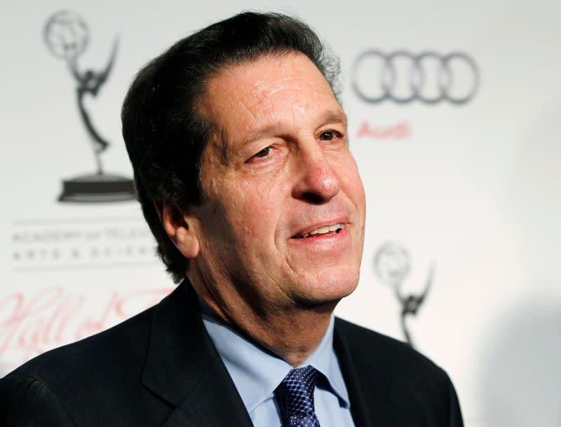 Veteran Warner Bros. TV executive Roth to step down next year