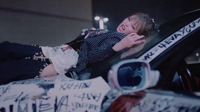 Jennie BLACKPINK di MV Lovesick Girls (YouTube BLACKPINK)