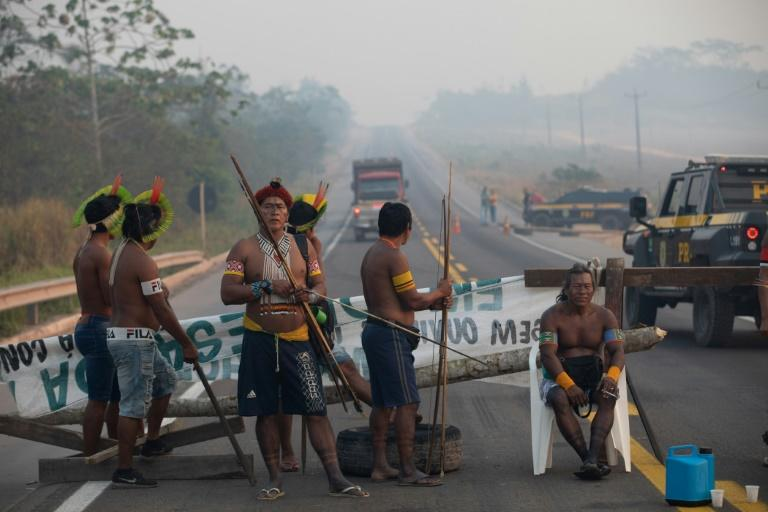 Amazon indigenous protesters end roadblock