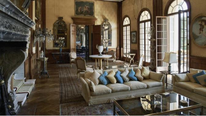Villa Les Cèdres. Dok https://www.architecturaldigest.in/