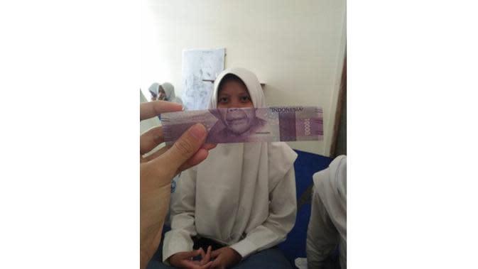 6 Potret Kocak Gabungan Wajah Orang dan Uang Kertas Ini Bikin Tepuk Jidat (sumber: Twitter.com/ttubiniewaeng)