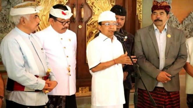 Gubernur Ingatkan Tari Sakral Bali Bukan Untuk Komersialisasi