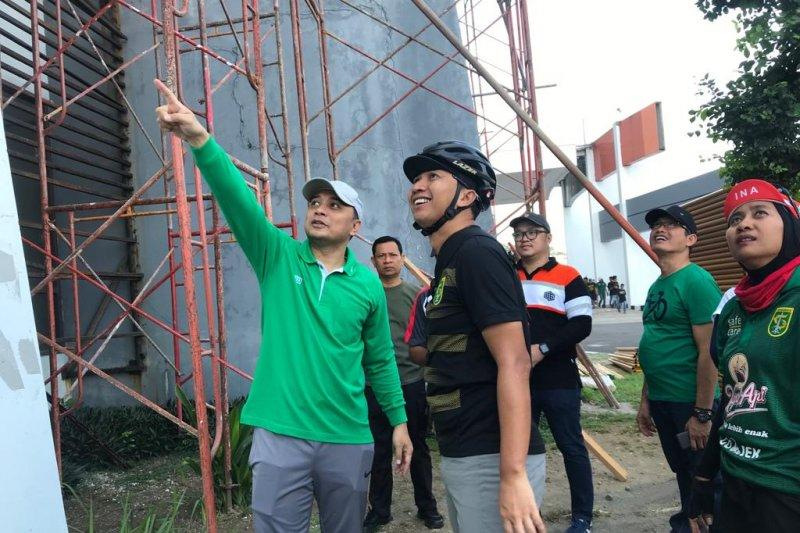 Persebaya-Bonek apresiasi kerja bakti bersihkan stadion GBT Surabaya
