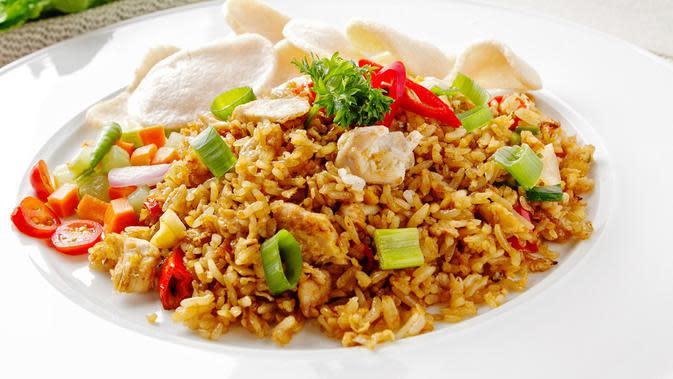 Ilustrasi sepiring nasi goreng (Photo by Adelia Rosalinda on Pixabay)