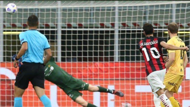 Menang Tipis di San Siro, AC Milan Pastikan Tiket Playoff Liga Europa