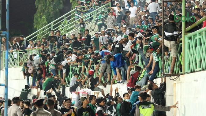 Bonek Menembus Markas Madura United Meski Tak Dapat Kuota Tiket