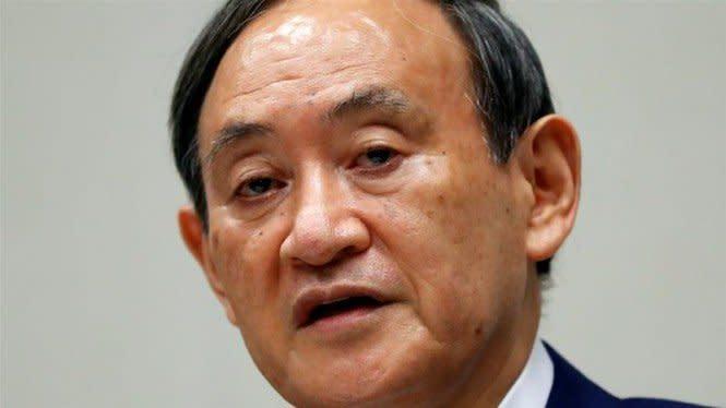 Yoshihide Suga Muncul jadi Kandidat PM Jepang Pengganti Shinzo Abe