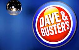 Analysts Tout Dave & Buster's, Western Digital, Discover