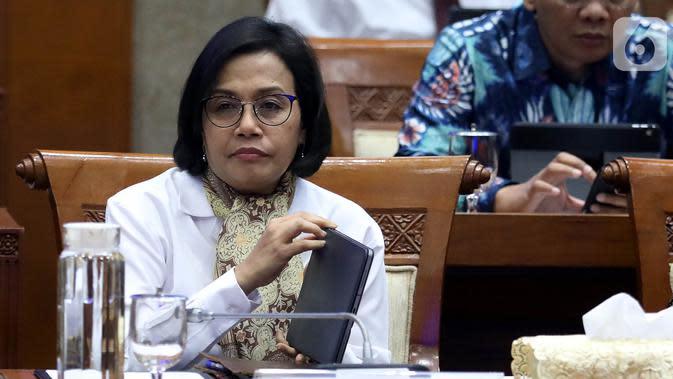 Menteri Keuangan Sri Mulyani saat mengikuti rapat kerja dengan Komisi XI DPR RI di Gedung Nusantara I, Jakarta, Senin (4/11/2019). Ini merupakan rapat perdana Menkeu dengan Komisi XI DPR RI. (Liputan6.com/JohanTallo)