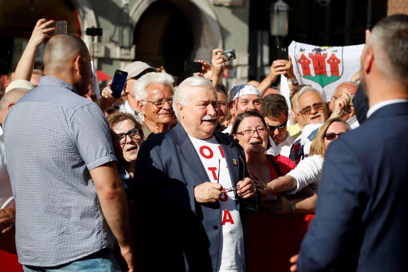 Former Polish presidents, PMs call for presidential election boycott