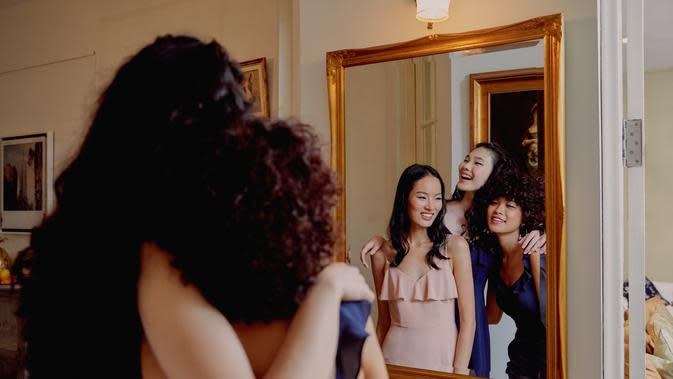 Lylas, label fashion dari Love, Bonito untuk gaun bridesmaid. Sumber foto: Document/Love, Bonito.