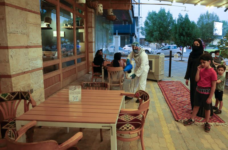 Saudi Arabia calls for compliance as coronavirus cases rise