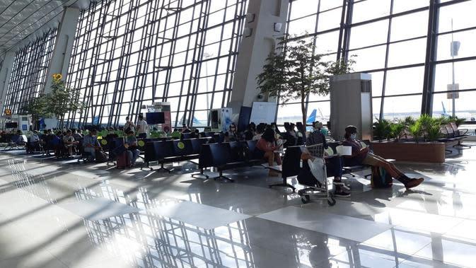 Selama bulan Mei 2020, lebih dari 76 ribu pergerakan penumpang di bandara Soekarno Hatta (Soetta) Tangerang, Banten.