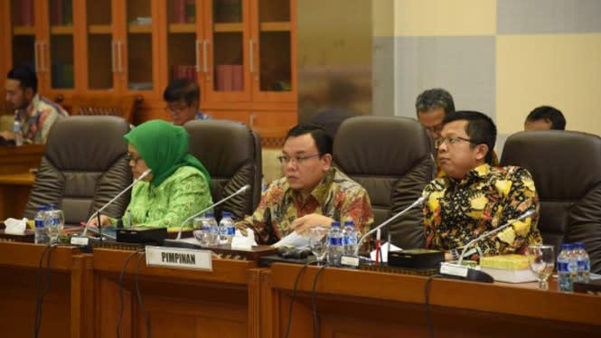 DPR Kritik Jokowi: Kemarin PSBB RT/RW, Sekarang Lockdown Mini